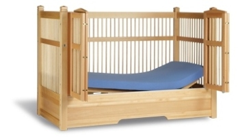 Medifab Safe Surround Plus Bed