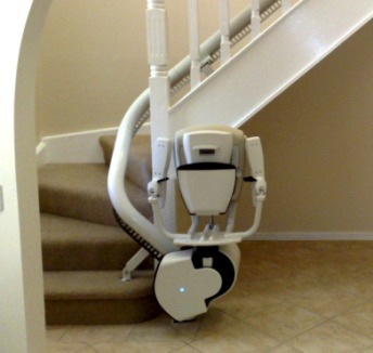 ThyssenKrupp Flow II Curved Stairlift
